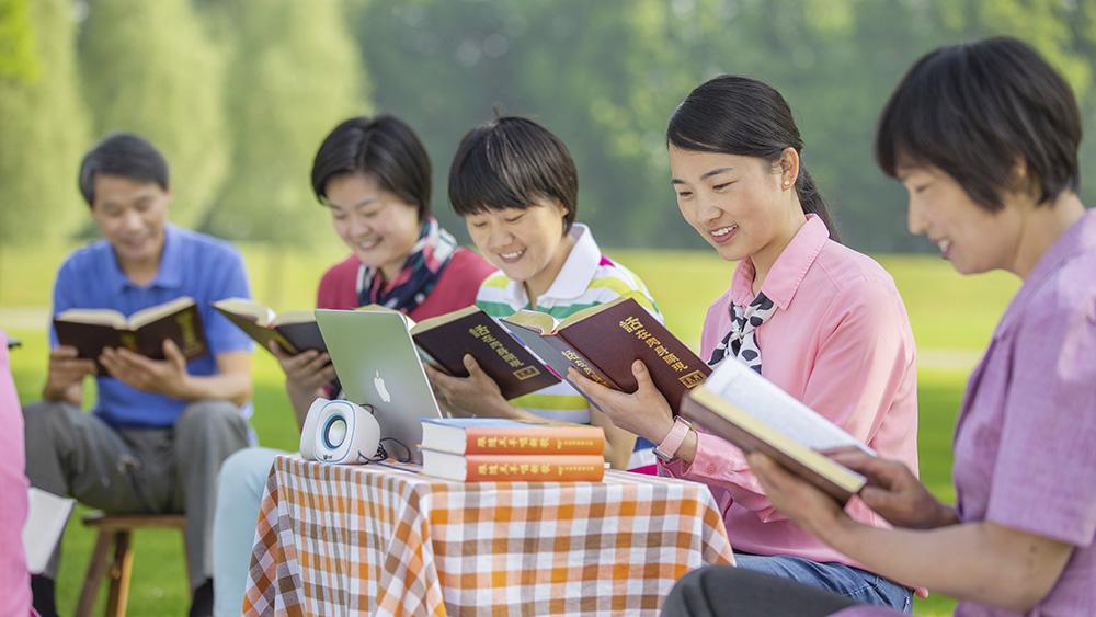 Come possono i fedeli distinguere la voce di Dio per confermare che è la vera via?